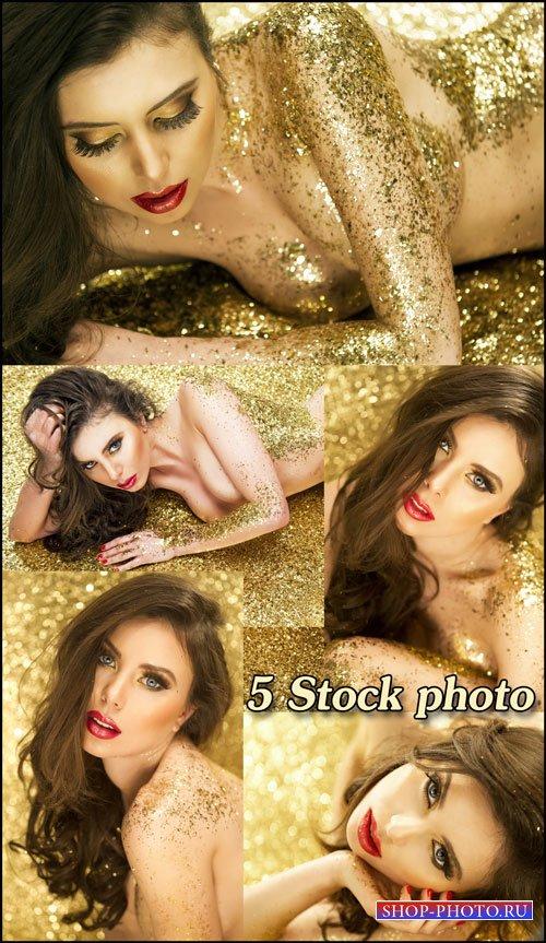 Обворожительная девушка в золотых блестках - растровый клипарт