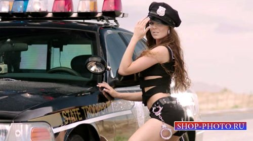 Очаровательная полиция охраняет закон - женский шаблон