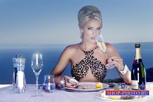 Устрицы и шампанское возле океана - шаблон женский