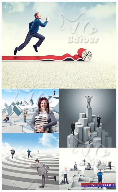 People move to the purpose / Люди движуться к цели