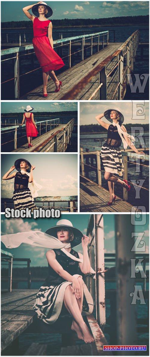 Девушка на морском причале, ретро / Girl on the seaside pier, retro - Raste ...