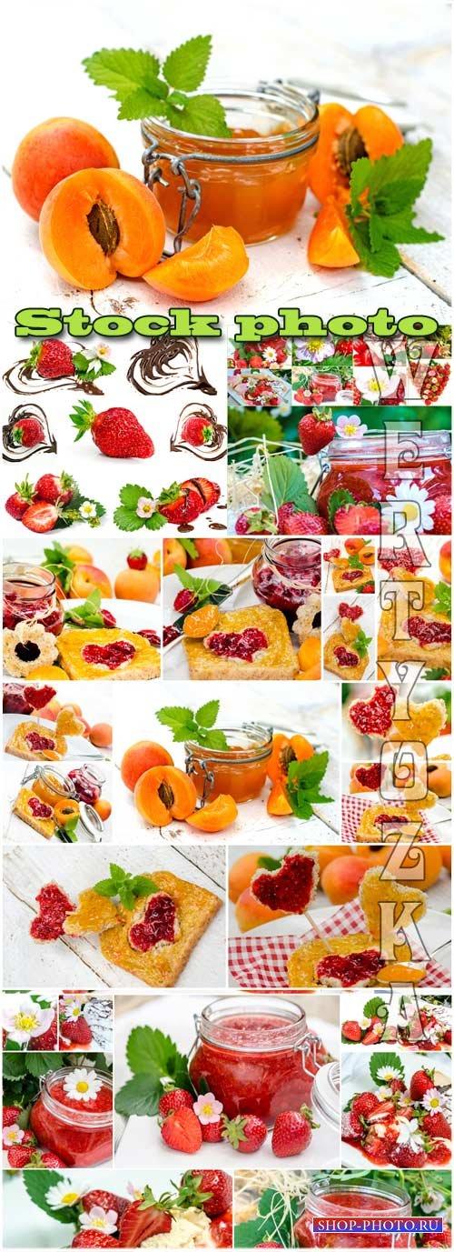 Ягоды, клубника и абрикос / Berries, strawberries and apricots - Raster cli ...
