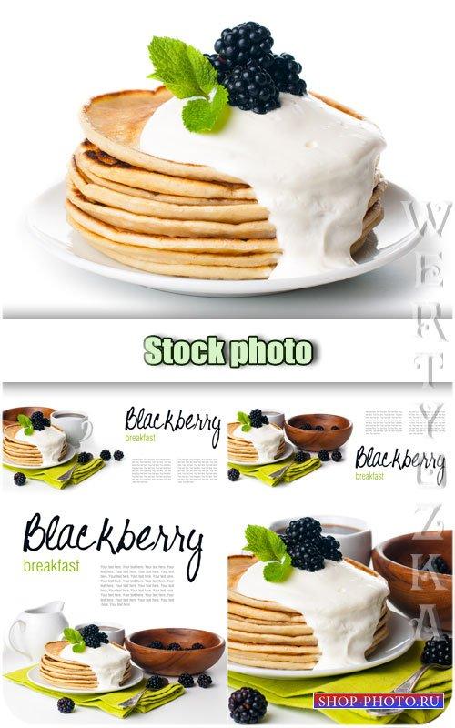 Завтрак, блины с ежевикой / Breakfast, pancakes with blackberry - Raster cl ...