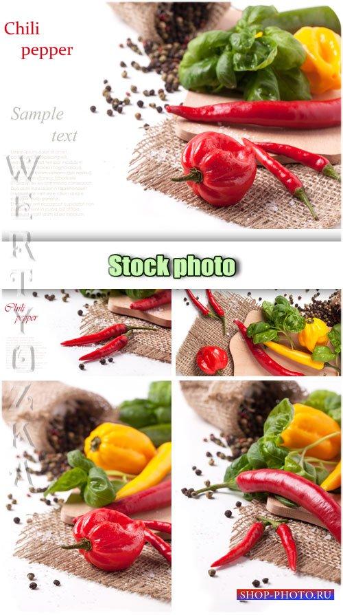 Сладкий и острый перец / Sweet and hot peppers - Raster clipart