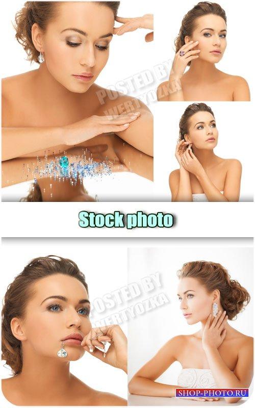 Девушка с драгоценностями / Girl with jewelry - Raster clipart
