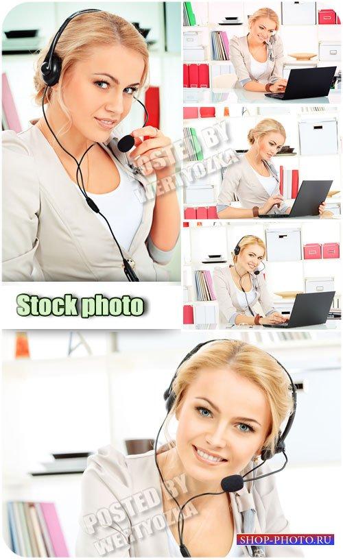 Девушка с ноутбуком, оператор / Girl with the laptop, the operator - Raster ...