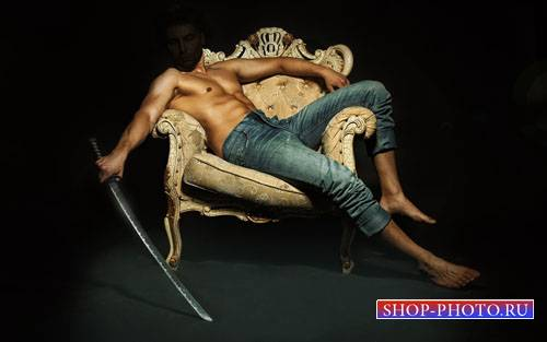 Шаблон для photoshop - Парень на кресле с оружием в руке
