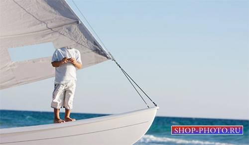 Шаблон для фотомонтажа - Летом на яхте в синее море