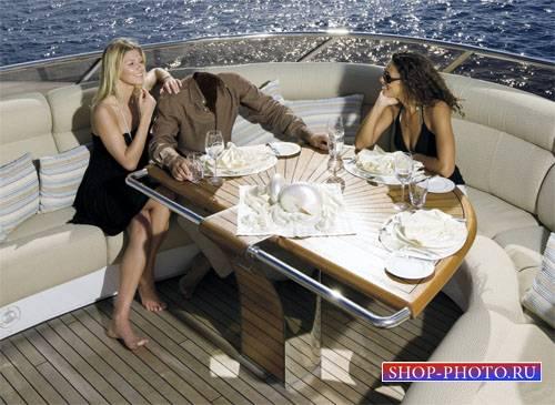 Шаблон для фотомонтажа - Отдых на яхте в море с брюнеткой и блондинкой