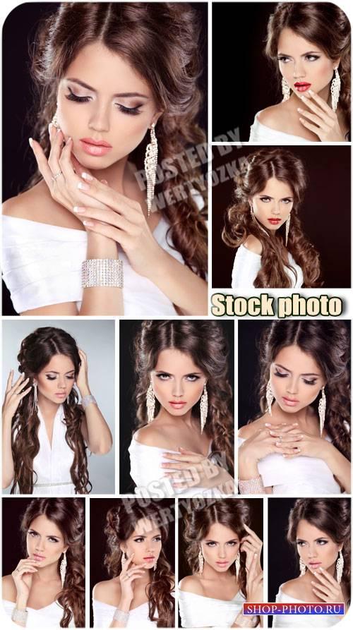 Красивая девушка с драгоценными серьгами / Beautiful girl - stock photos
