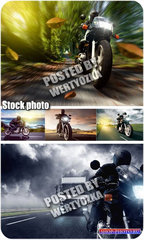Мотоциклист на дороге - сток фото