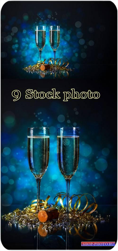 Бокалы с шампанским, новый год - сток фото