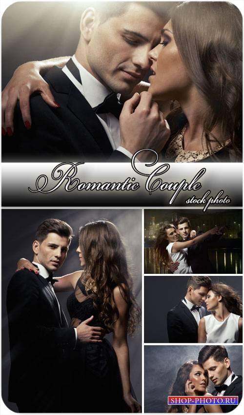 Романтичная пара, мужчина и женщинабвлюбленные - сток фото