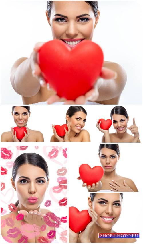 Девушка с красным сердечком, поцелуи - сток фото