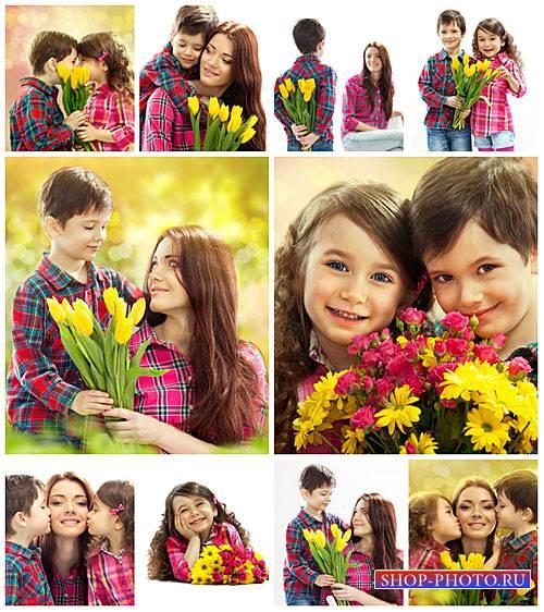 Цветы для мамыбдети с цветами - сток фото