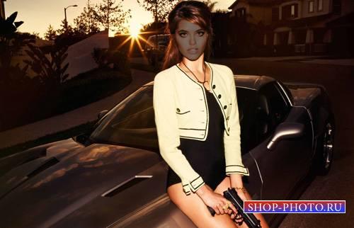 Шаблон женский - Девушка с пистолетом сидя на машине