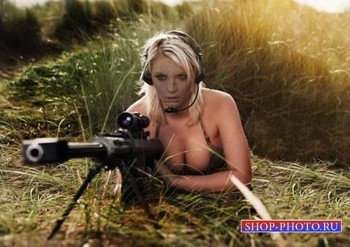 Шаблон для Photoshop - Белокурая снайпер с оружием на задании