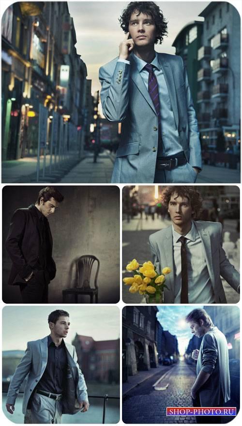 Мужчины в городе / Men in the city - Stock Photo