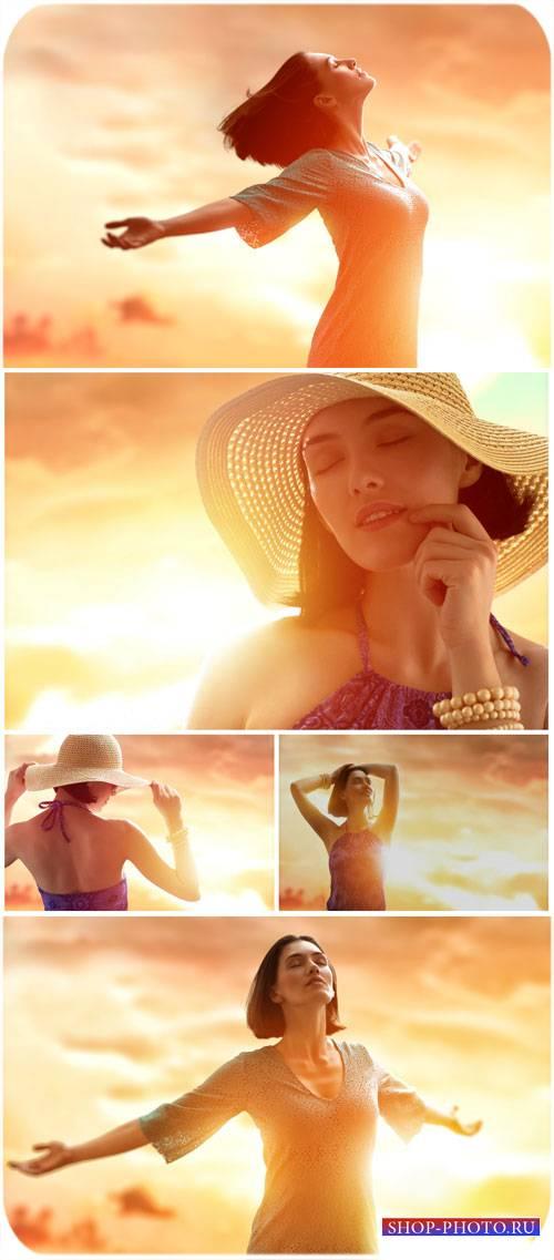 Девушка на фоне неба / Girl against the sky, sunset - Stock Photo