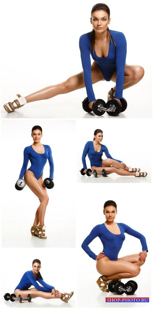Спортивная девушка с гантелями / Sports girl with dumbbells - Stock photo