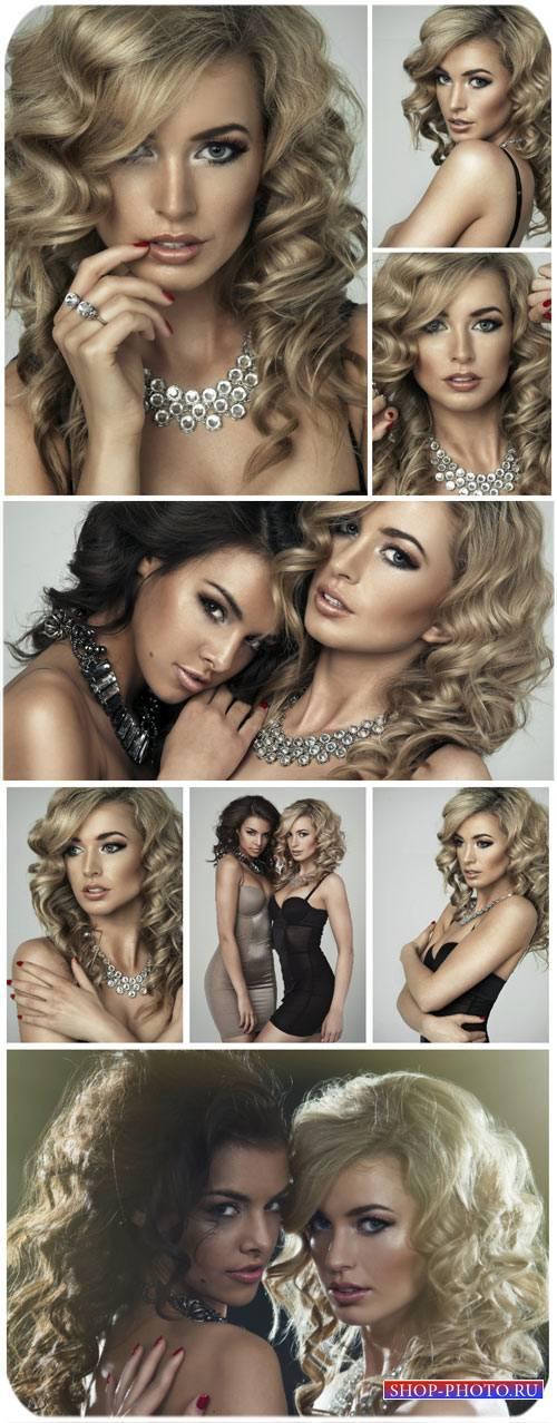 Гламурные женщины с драгоценными украшениями / Glamorous woman with preciou ...