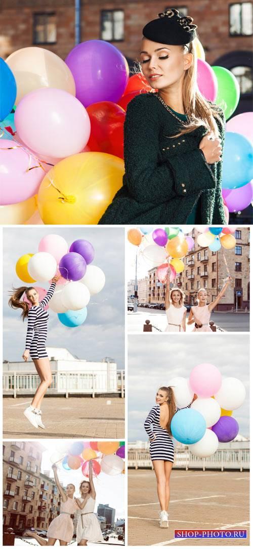 Девушки на прогулке, воздушные шарики / Girls on walk, balloons - Stock Pho ...