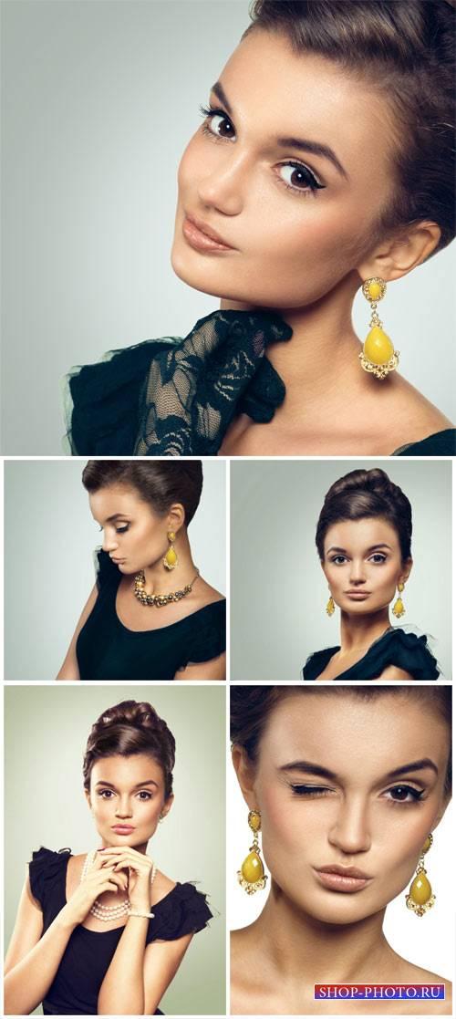 Стильная девушка в черном платье / Stylish girl in a black dress - Stock Ph ...