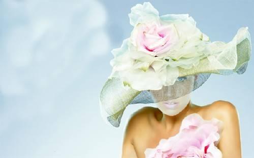 Шаблон psd - В изящной шляпке с цветами