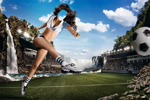 Шаблон для Photoshop - Футболистка с мячом